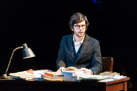 Ben Whishaw Brutus  Julius Caesar at the Bridge Theatre Photo credit Manuel Harlan