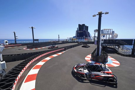 Race track on Norwegian Bliss