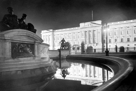 Buckingham Palace from the north east at night. George Davison Reid